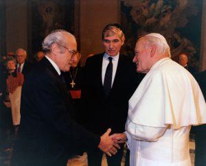 Jean Kahn et Jean-Paul II.